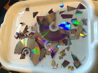 day-18-project-recycling-old-cds-2